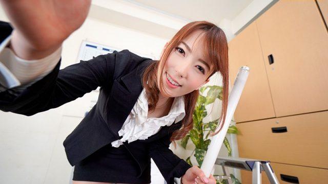 波多野結衣のスーツスタイル