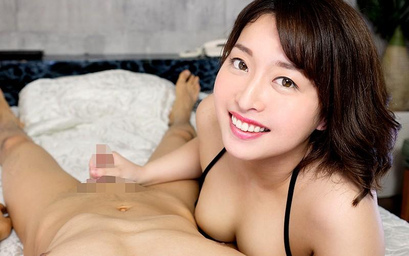 手コキして微笑む篠崎かんな