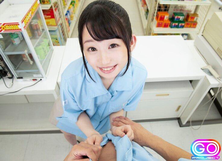 姫川ゆうなのコンビニ店員姿